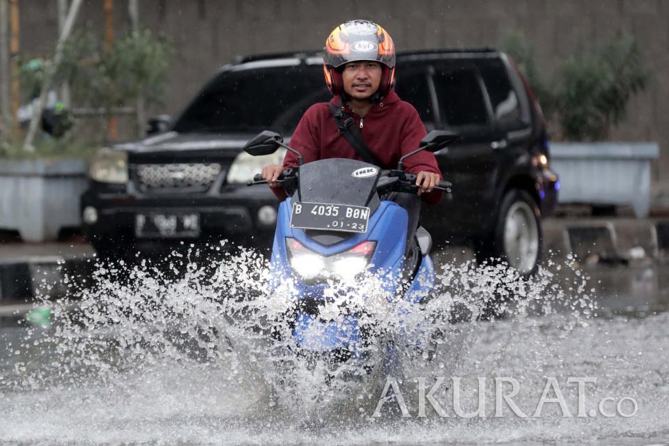 BMKG Prediksi Jabodetabek Bakal Diguyur Hujan Sedang dan Lebat
