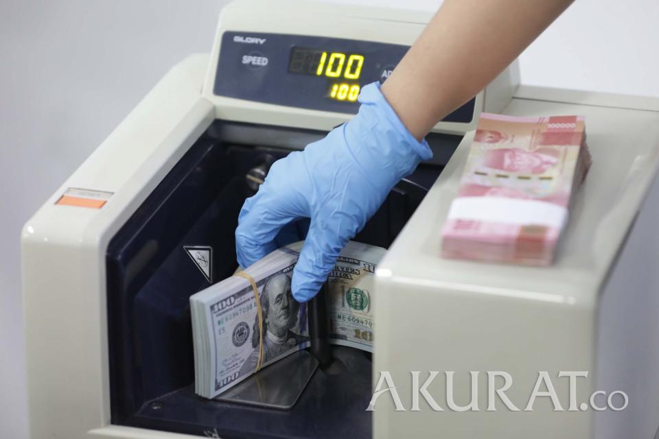 Rupiah Balik ke Rp15.000-an Berkat Pernyataan IMF dan Harga Minyak