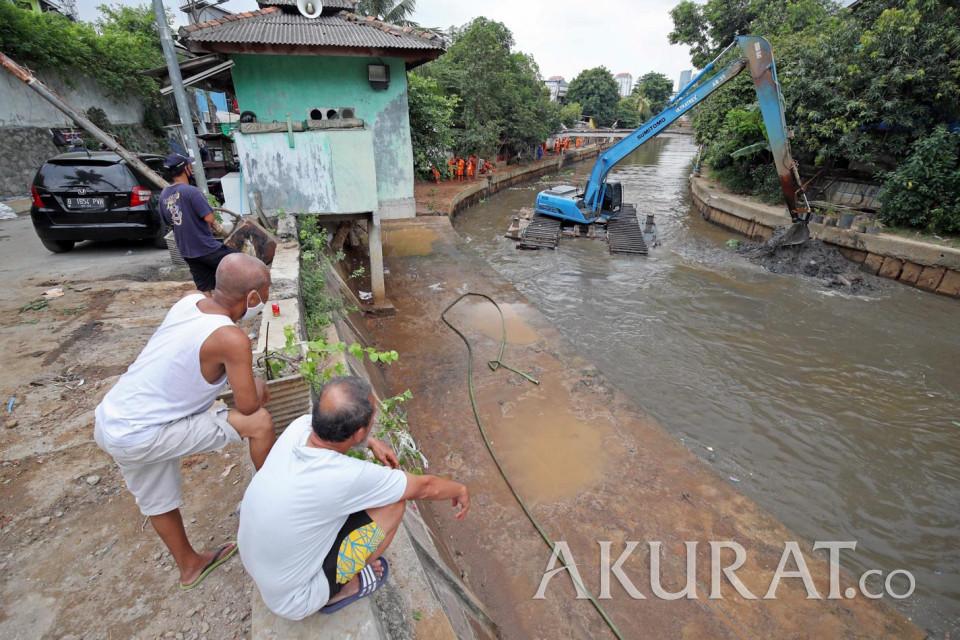 Gerebek Lumpur, Program Pemprov DKI Jakarta untuk Cegah Banjir - Foto 1