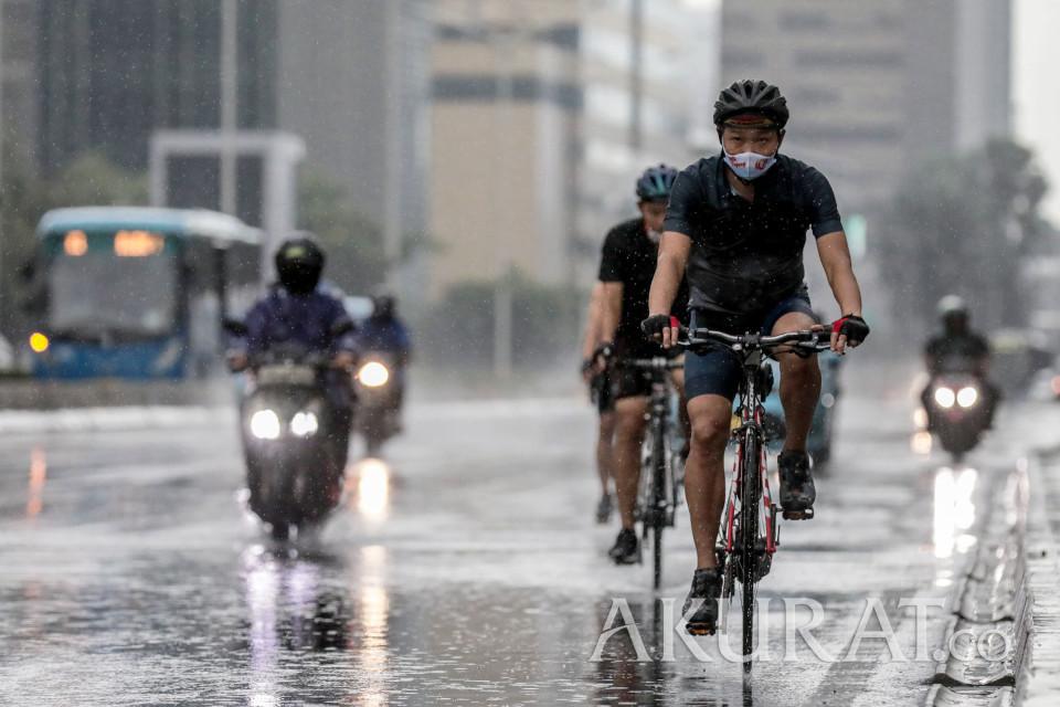 Cuaca Jakarta Hari Ini Diprediksi Berawan dan Hujan Disertai Petir