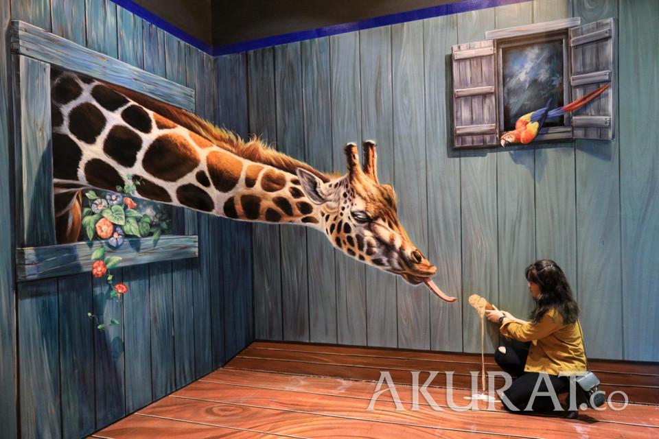 Tetap Buka Saat Libur Nataru, Museum Ini Suguhkan Ilusi Optik - Foto 1