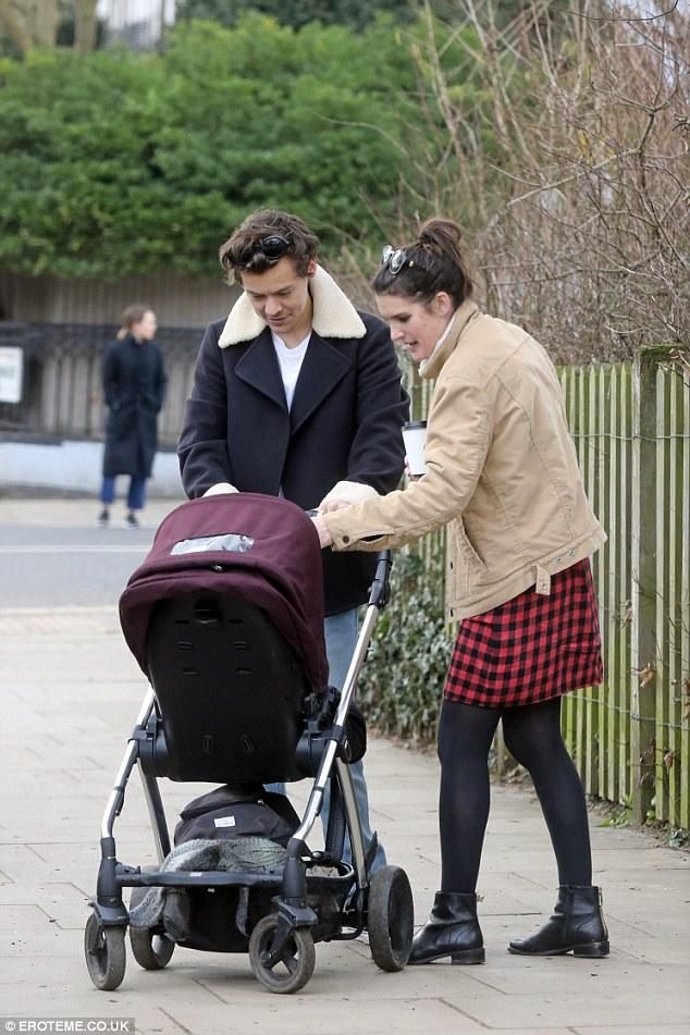 Wow, Harry Styles Ternyata Sudah Siap Jadi Ayah - Foto 2