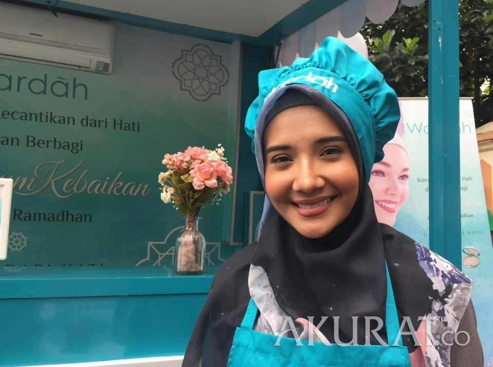 Ini Alasan Zaskia Sungkar Kenakan Hijab