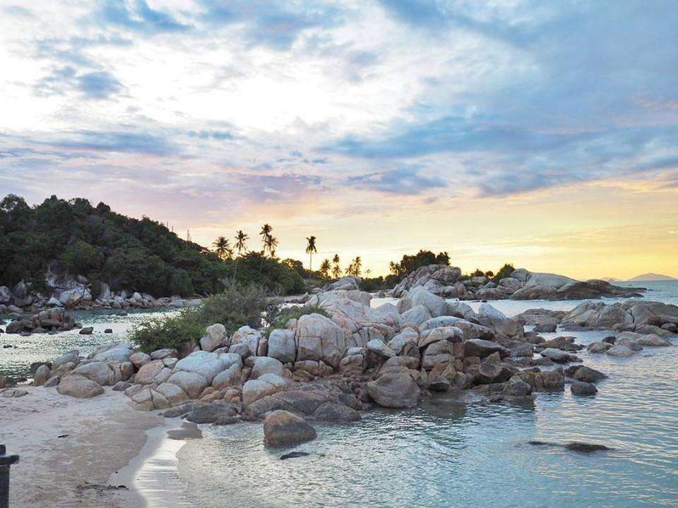 5 Pantai Menawan di Bangka Belitung Ini Bikin Kamu Lupa Pulang