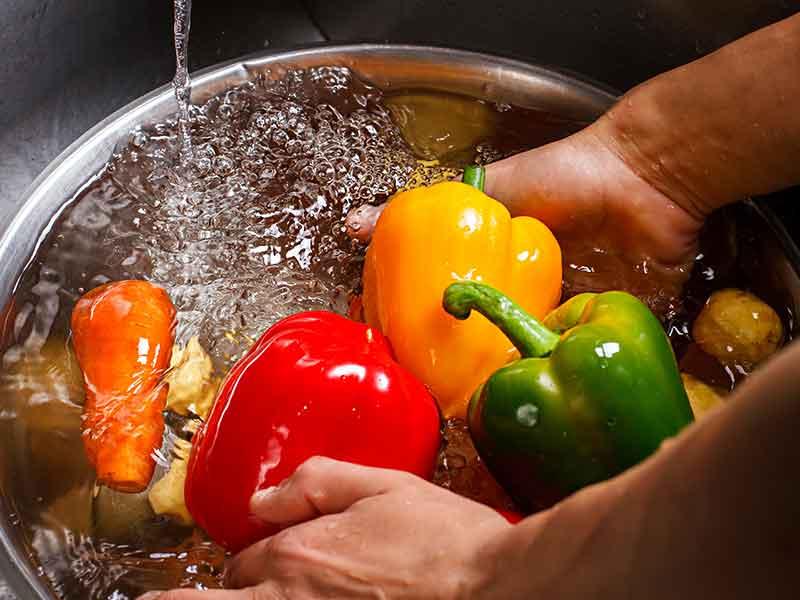 Para Ahli Larang Mencuci Buah dan Sayur Dengan Sabun Walaupun Pandemi Virus Corona