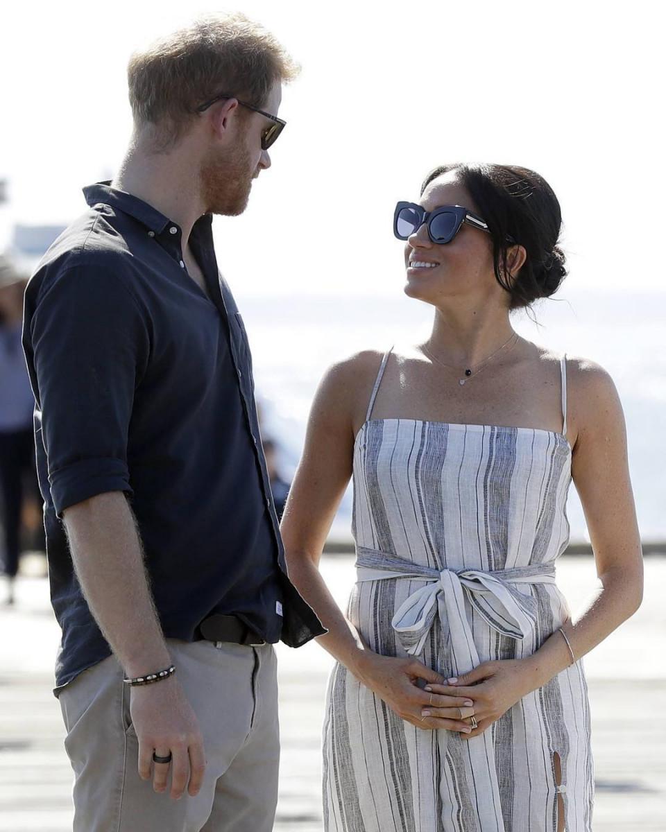 Bikin Baper, 10 Momen Romantis Pangeran Harry dan Meghan Markle - Foto 1
