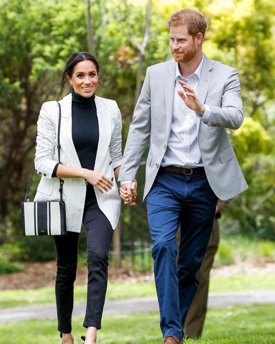 Bikin Baper, 10 Momen Romantis Pangeran Harry dan Meghan Markle - Foto 4
