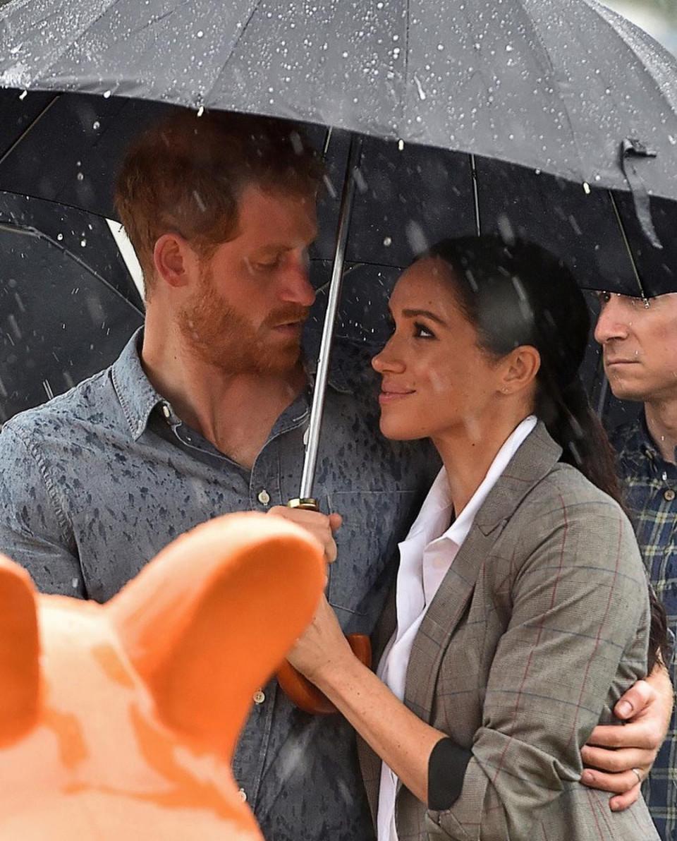 Bikin Baper, 10 Momen Romantis Pangeran Harry dan Meghan Markle - Foto 5