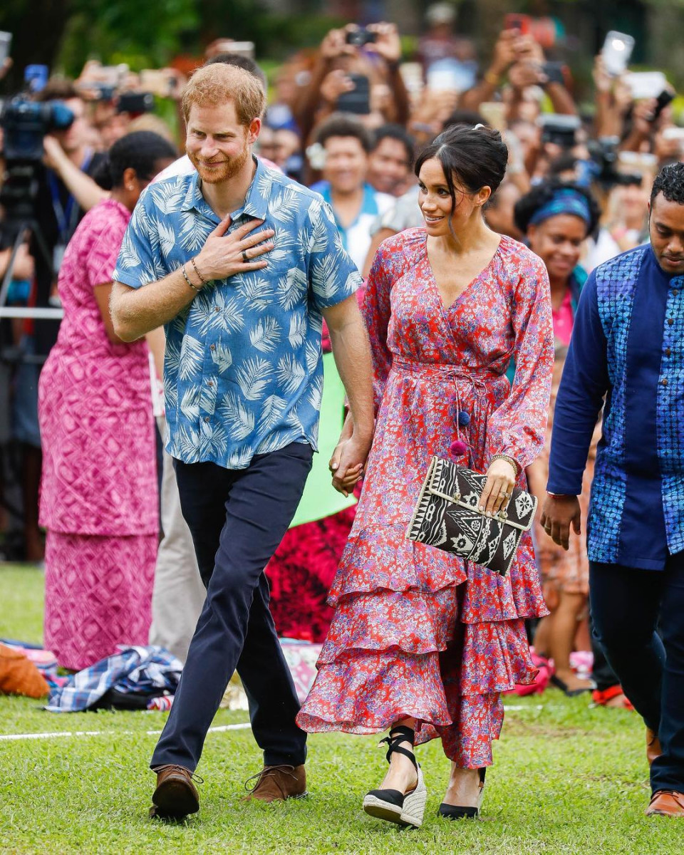 Bikin Baper, 10 Momen Romantis Pangeran Harry dan Meghan Markle - Foto 6