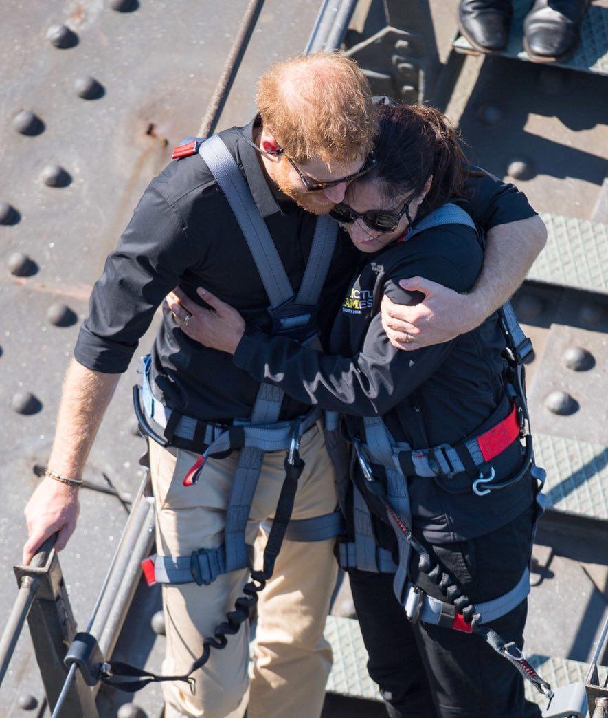 Bikin Baper, 10 Momen Romantis Pangeran Harry dan Meghan Markle - Foto 10