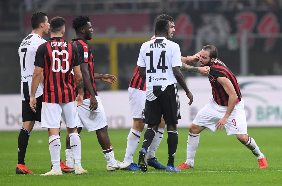 Juventus Permalukan  Sepuluh Pemain Milan di San Siro