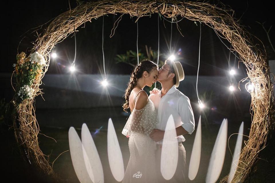 10 Momen Romantis Dimas Anggara dan Nadine Chandrawinata yang Makin Lengket - Foto 9