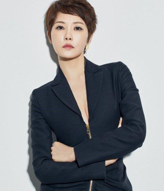 Masih Lajang di Usia 40 Tahun, 7 Aktris Korea Ini Tampak Awet Muda - Foto 4
