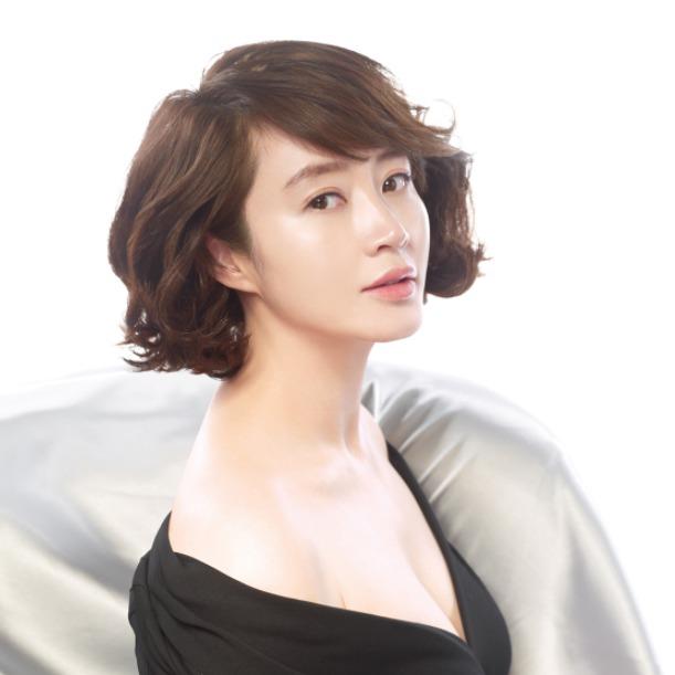 Masih Lajang di Usia 40 Tahun, 7 Aktris Korea Ini Tampak Awet Muda - Foto 5