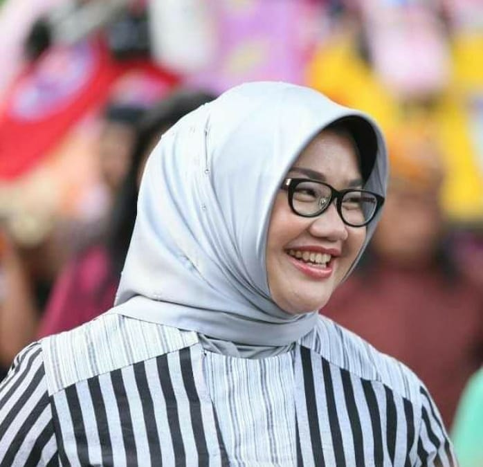Jarang Tersorot, ini 5 Potret Bupati Sragen Kusdinar Untung Yuni Sukowati - Foto 4