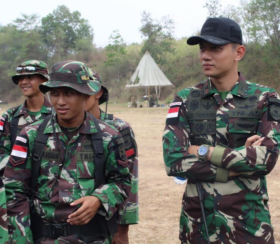 Tampil Gagah, Ini 10 Potret Kenangan AHY saat Masih Berseragam TNI - Foto 4
