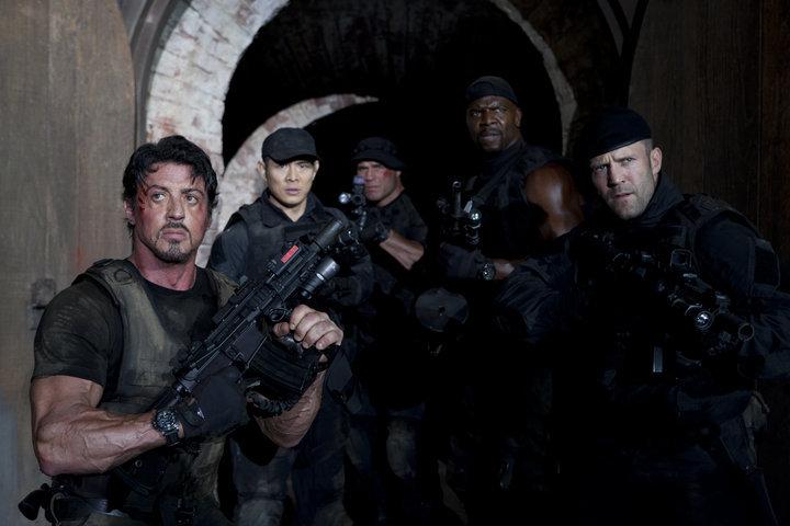 10 Aksi Menegangkan Film 'The Expendables 2', Tayang di Bioskop Trans TV Malam ini - Foto 1
