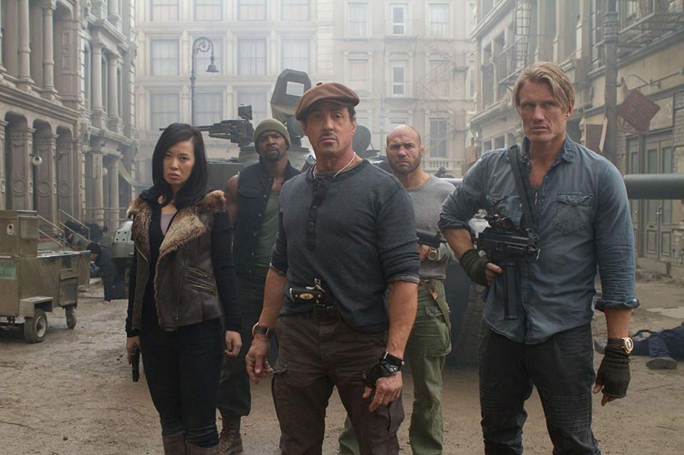 10 Aksi Menegangkan Film 'The Expendables 2', Tayang di Bioskop Trans TV Malam ini - Foto 3