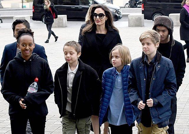 Khawatir COVID-19,  Putra Sulung Angelina Jolie Pulang ke Amerika - Foto 2