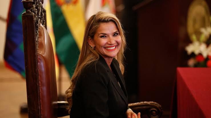 Deklarasikan Diri Sendiri sebagai Presiden Bolivia, ini 5 Fakta Menarik Jeanine Anez - Foto 2
