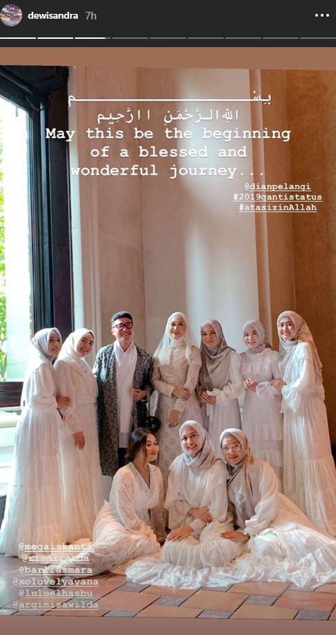 Selamat, Desainer Dian Pelangi Resmi Menikah Hari Ini - Foto 1