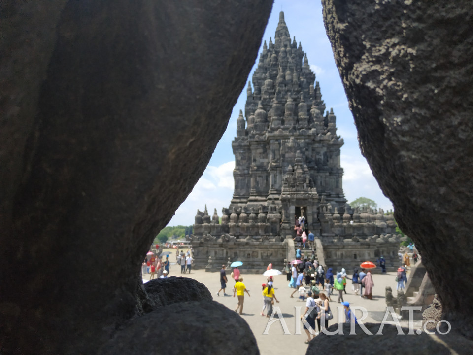 Candi Prambanan dan Borobudur Mulai Uji Coba Operasi