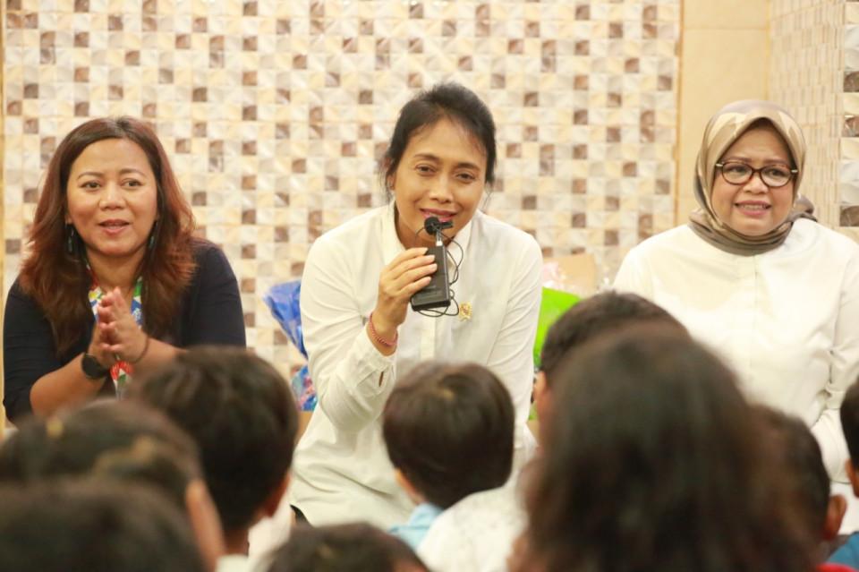 KemenPPPA Jamin Penuhi Kebutuhan Serta Hak Perempuan dan Anak Korban Banjir - Foto 1