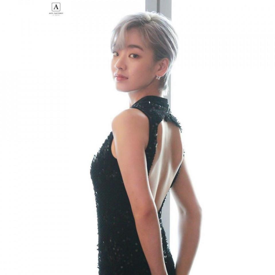 Perankan Transgender di Drama Itaewon Class, 10 Potret Memesona Lee Joo-young - Foto 7