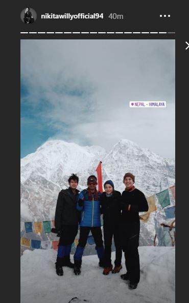 Kibarkan Sang Merah Putih di Puncak Gunung Es, 10 Potret Nikita Willy Mendaki Himalaya - Foto 10