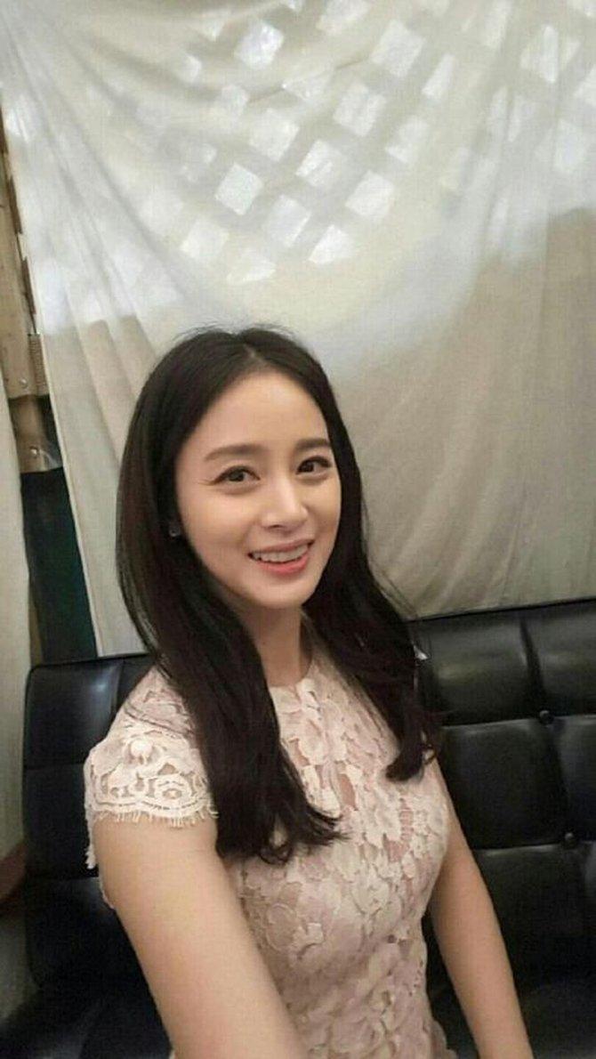 Tanpa Operasi Plastik, 10 Potret Awet Muda Kim Tae-hee Jelang Usia 40 Tahun - Foto 3