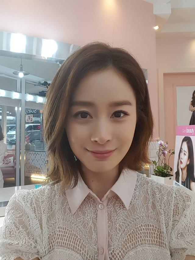 Tanpa Operasi Plastik, 10 Potret Awet Muda Kim Tae-hee Jelang Usia 40 Tahun - Foto 5