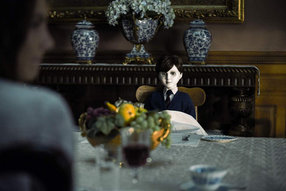 Tayang di Bioskop Trans TV, 5 Fakta Menarik Film Horor The Boy yang Bikin Merinding - Foto 1