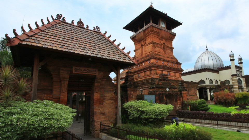 Inilah 7 Destinasi Wisata Religi Favorit di Jawa Tengah yang Wajib Dikunjungi, Sudah Pernah Kesini - Foto 3