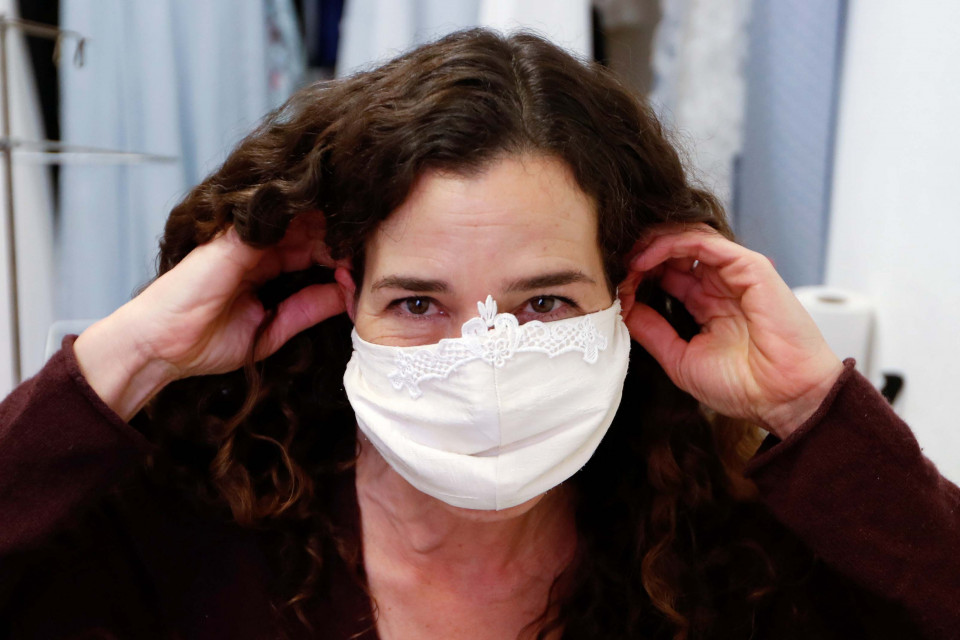 Efektifkah Pakai Masker Bikinan Sendiri Tuk Tangkal Virus Corona?