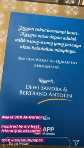 Betrand Antolin Wakafkan 300 Al-Quran Bersama Dewi Sandra - Foto 1