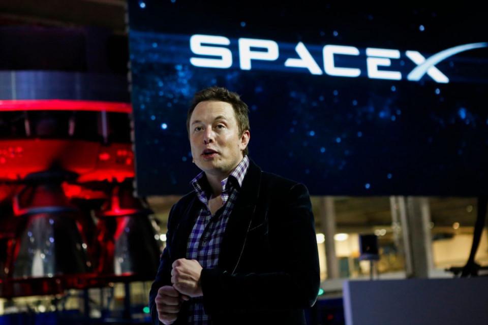 Perusahaan Swasta Pertama Luncurkan Pesawat Ulang-Alik dengan Astronot Ini 5 Fakta Menarik SpaceX - Foto 1