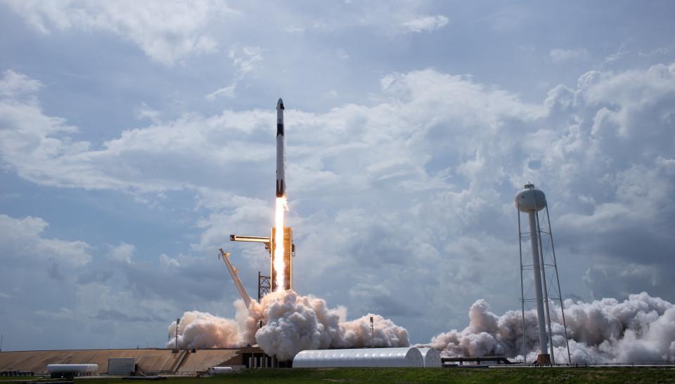 Perusahaan Swasta Pertama Luncurkan Pesawat Ulang-Alik dengan Astronot Ini 5 Fakta Menarik SpaceX - Foto 4