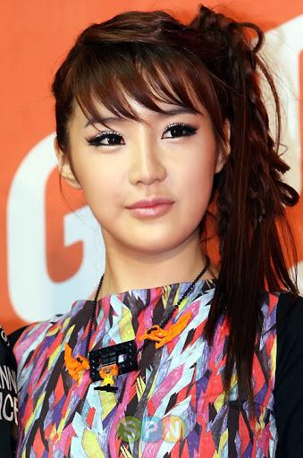 Penampilan Berubah Drastis, 5 Potret Transformasi Park Bom Eks 2NE1 yang Bikin Fans Pangling - Foto 2