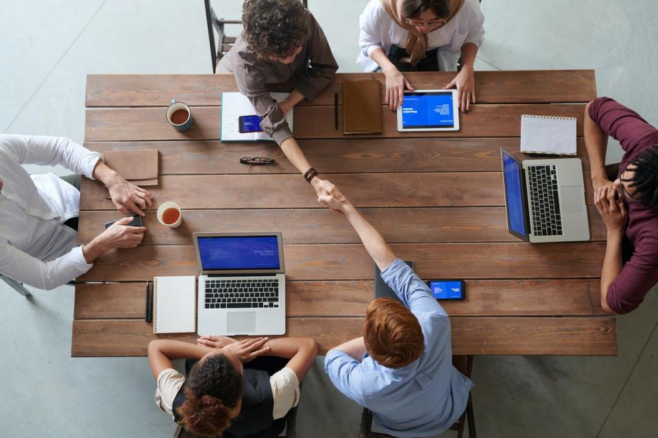 Karier Makin Melesat Ini 5 Manfaat Utama Membangun Networking - Foto 3