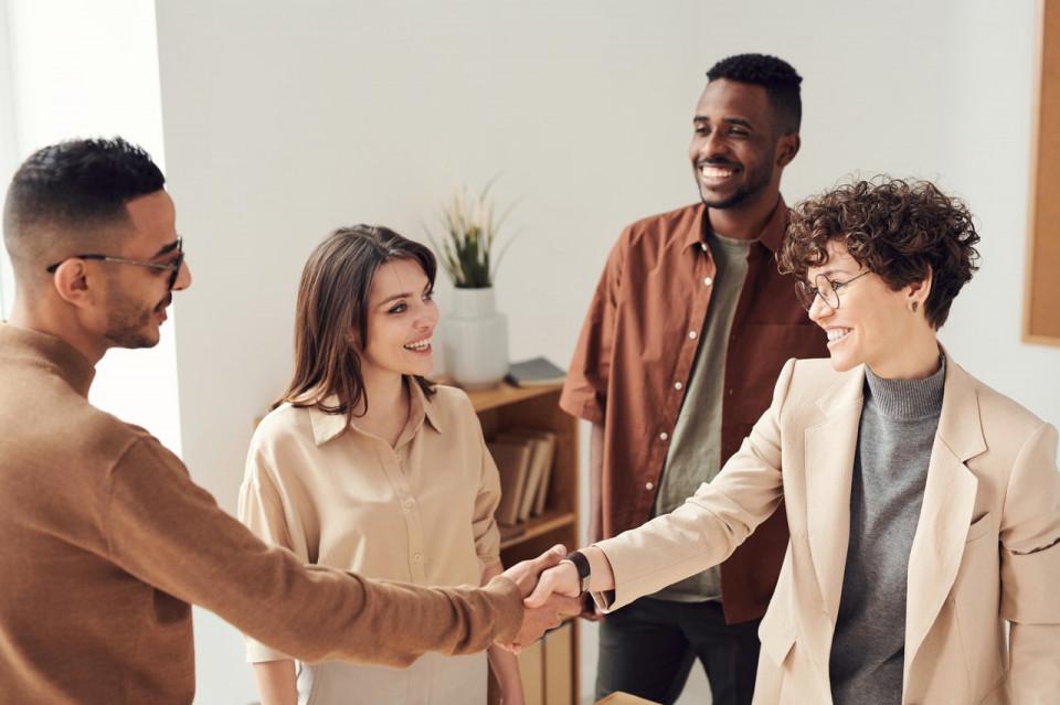 Karier Makin Melesat Ini 5 Manfaat Utama Membangun Networking - Foto 4