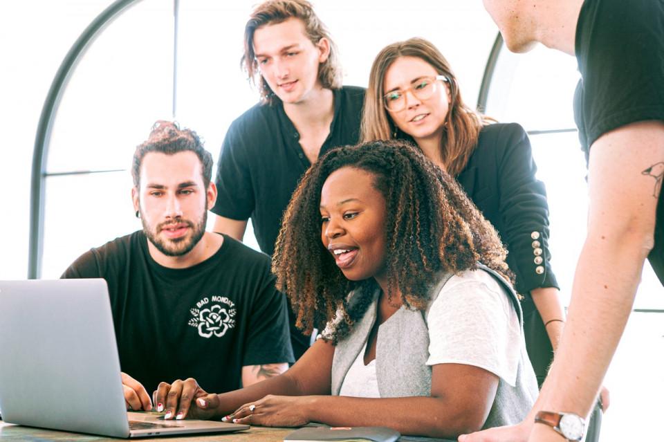 Karier Makin Melesat Ini 5 Manfaat Utama Membangun Networking - Foto 5
