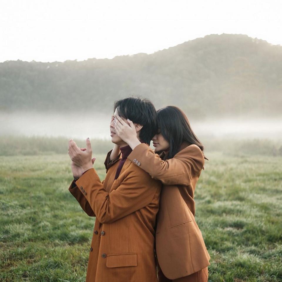 Jarang Umbar Kemesraan, 7 Potret Manis Bisma Karisma dan Kekasih yang Jarang Tersorot - Foto 6