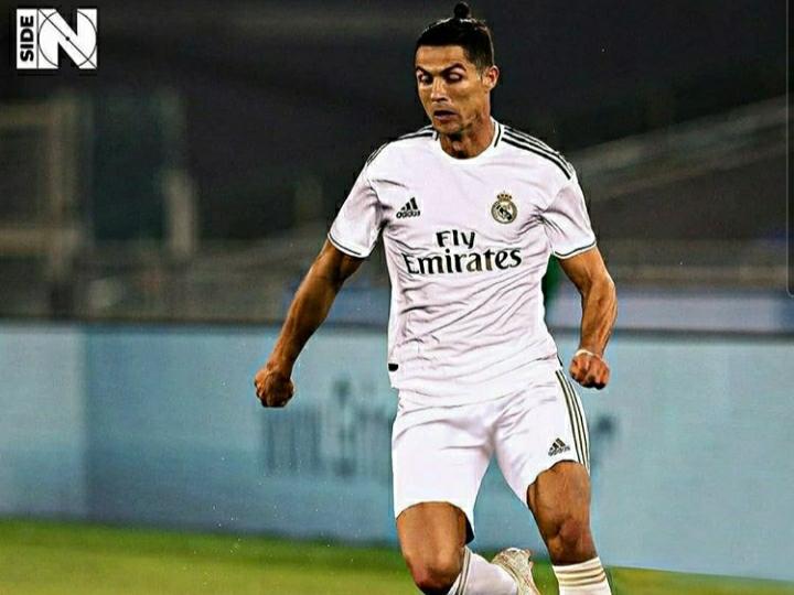 Tetap Gagah, Ini Penampakan Ronaldo Kalau Kenakan 5 Jersey Klub Berbeda Jika Tinggalkan Juventus - Foto 5