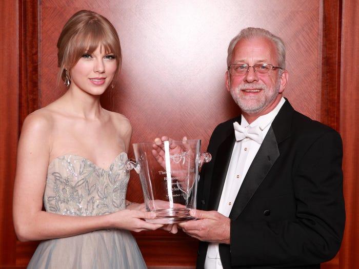 Miliki Harta Mencapai Rp5,2 T Ini 7 Fakta Menarik Kekayaan Taylor Swift - Foto 5