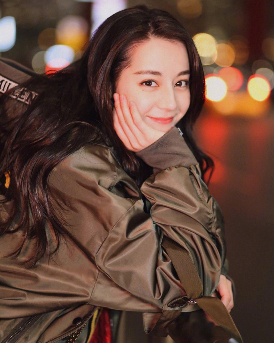 7 Potret Dilraba Dilmurat, Aktris Tiongkok yang Pegang Gelar Wanita Tercantik di Asia - Foto 3