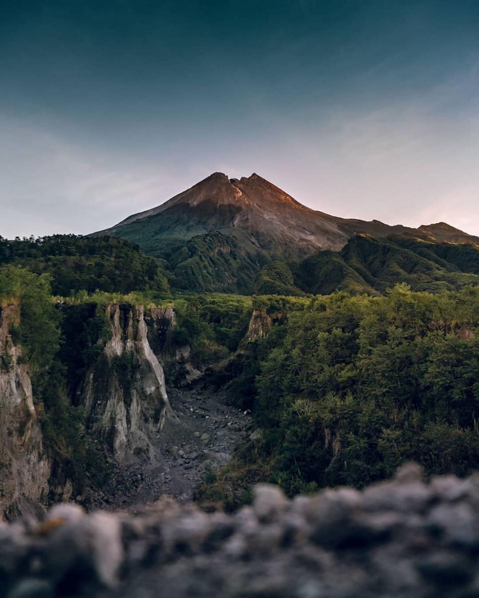4 Spot Terbaik Melihat Gunung Merapi dari Jogja, Bisa Sambil Ngopi - Foto 1
