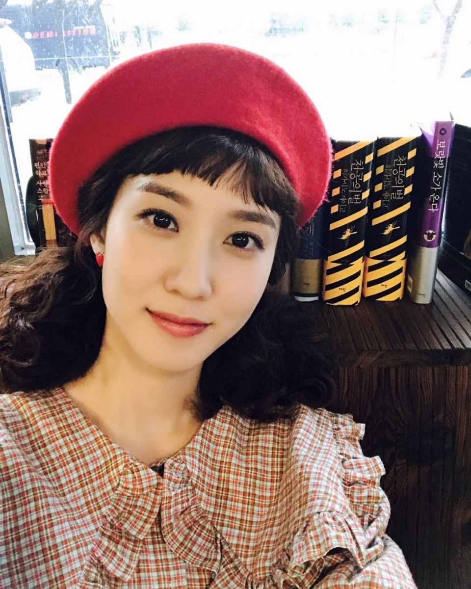 7 Potret Manis Park Eun-bin, Tetap Memesona Meski dengan Riasan Tipis - Foto 1