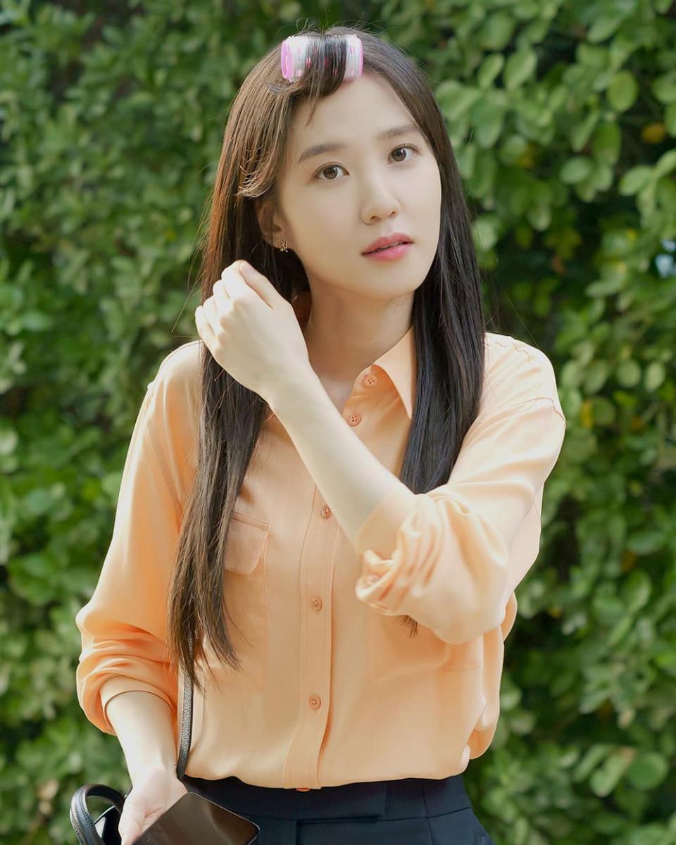 7 Potret Manis Park Eun-bin, Tetap Memesona Meski dengan Riasan Tipis - Foto 2