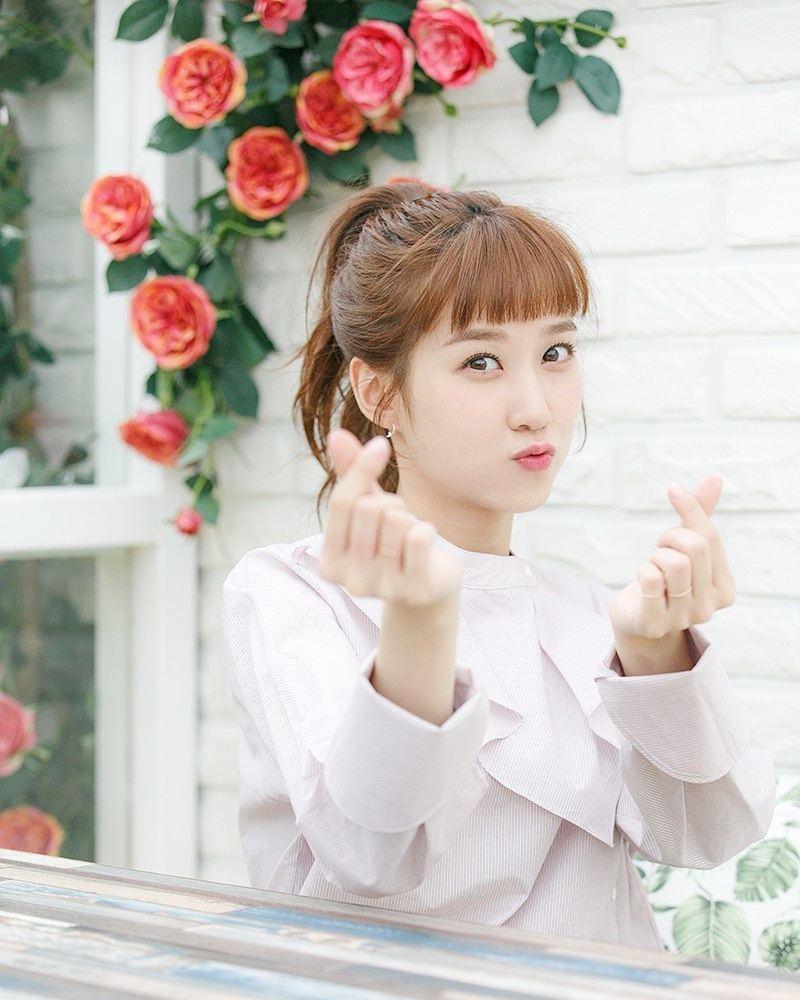 7 Potret Manis Park Eun-bin, Tetap Memesona Meski dengan Riasan Tipis - Foto 5