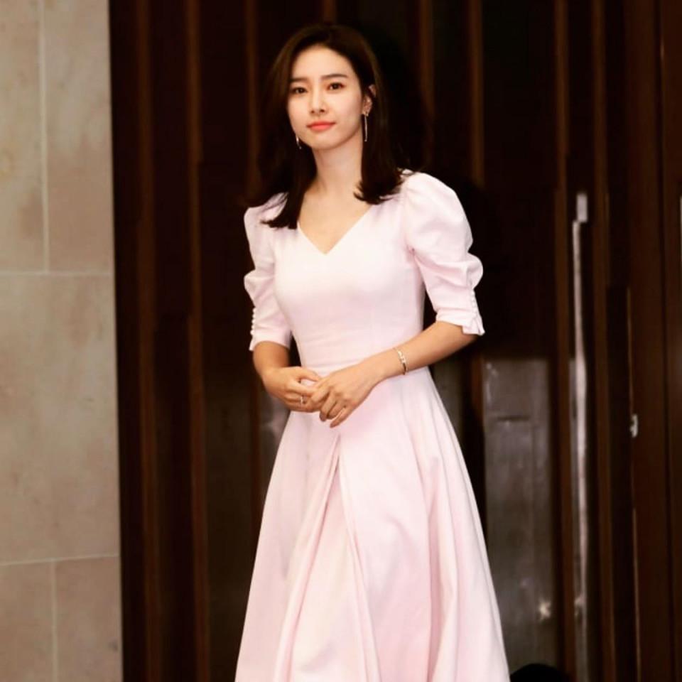 7 Potret Kim So-eun Makin Menawan di Usia Kepala Tiga - Foto 3